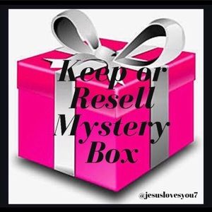 Keep Or Resell Mystery Box 👚👗👠🧥🧤👒👛👓